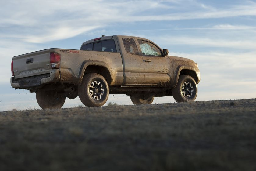 2016_Toyota_Tacoma_TRD_OffRoad_014
