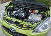 2015_Toyota_Prius_c-14