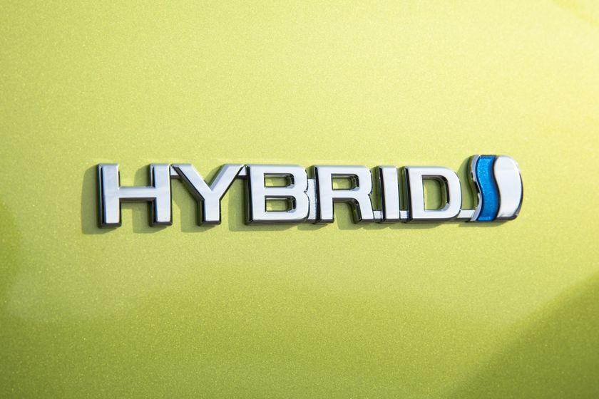 2015_Toyota_Prius_c-17