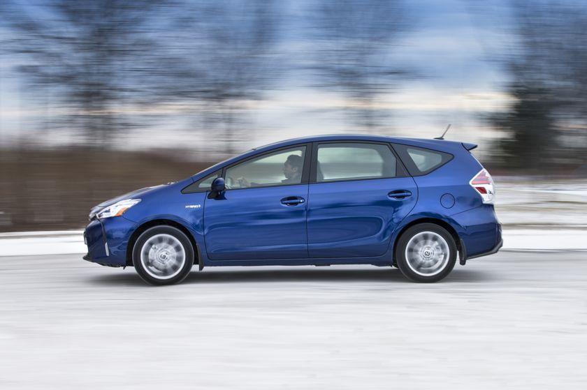 2015_Toyota_Prius_v-9
