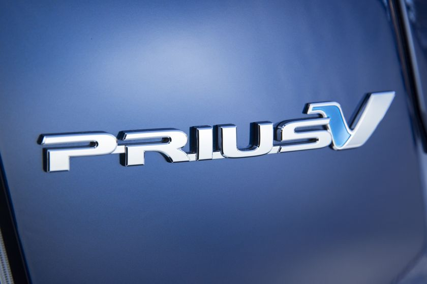 2015_Toyota_Prius_v-12