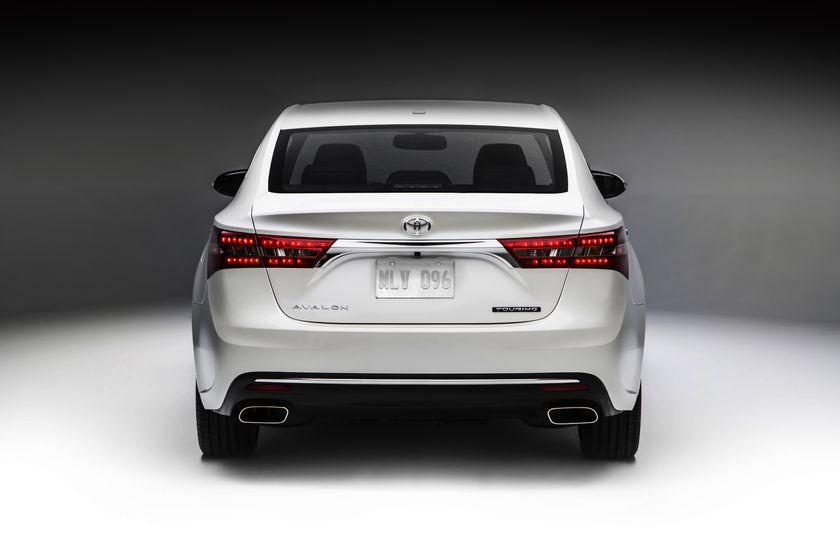 TMS-2015CAS_2016_Toyota_Avalon_009