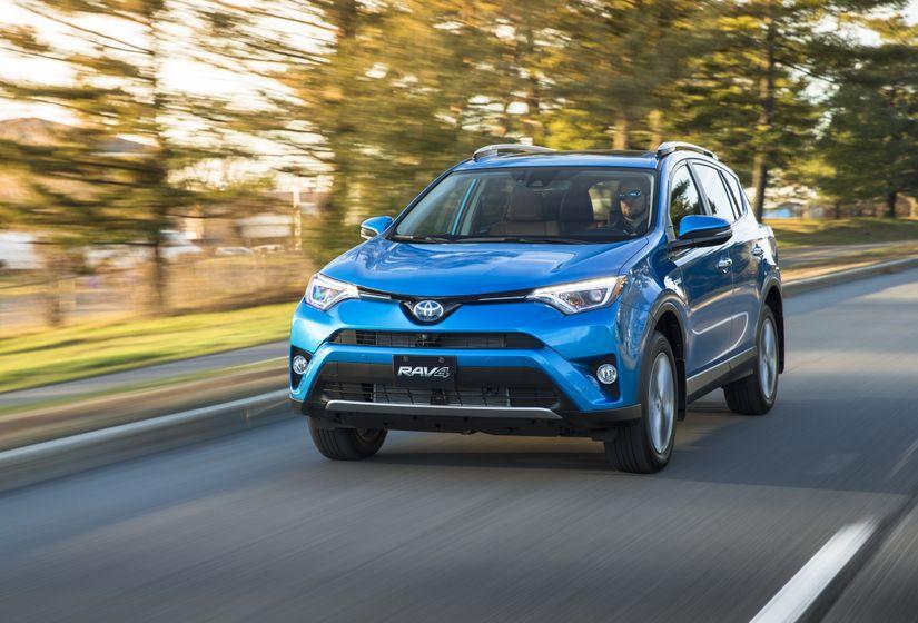 2016_Toyota_RAV4_Hybrid-10
