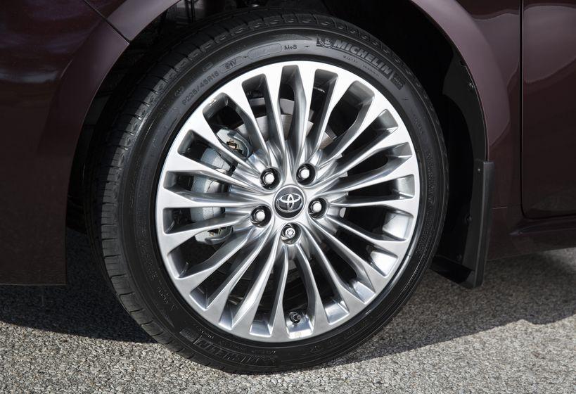 2016 Toyota Avalon-17
