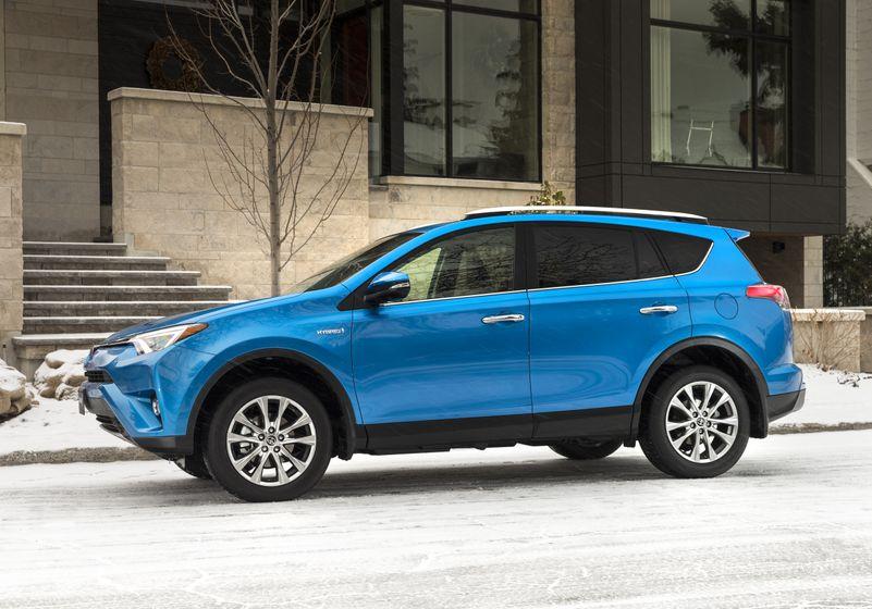2016_Toyota_RAV4_Hybrid-3