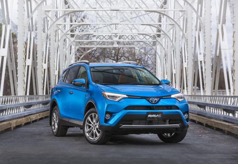 2016_Toyota_RAV4_Hybrid-4
