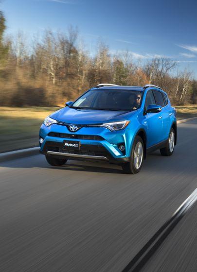 2016_Toyota_RAV4_Hybrid-11