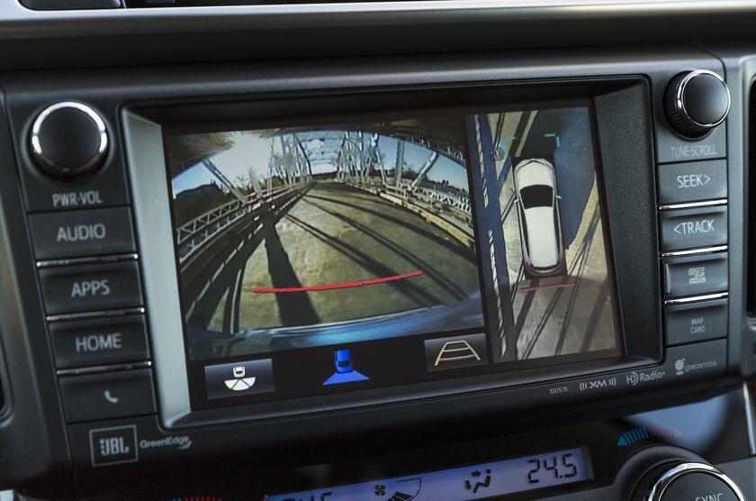 2016_Toyota_RAV4_Hybrid-24
