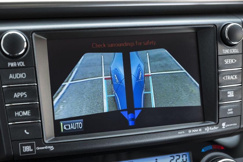 2016_Toyota_RAV4_Hybrid-29