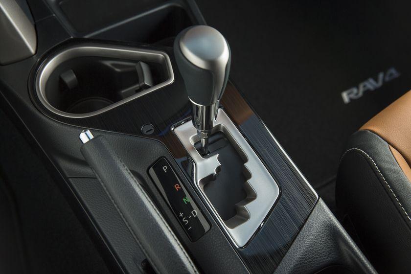 2016_Toyota_RAV4_Hybrid-30