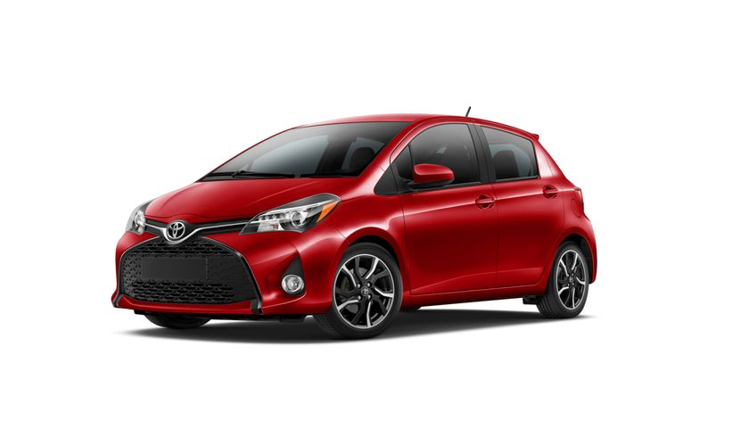 2015_Toyota_Yaris_001