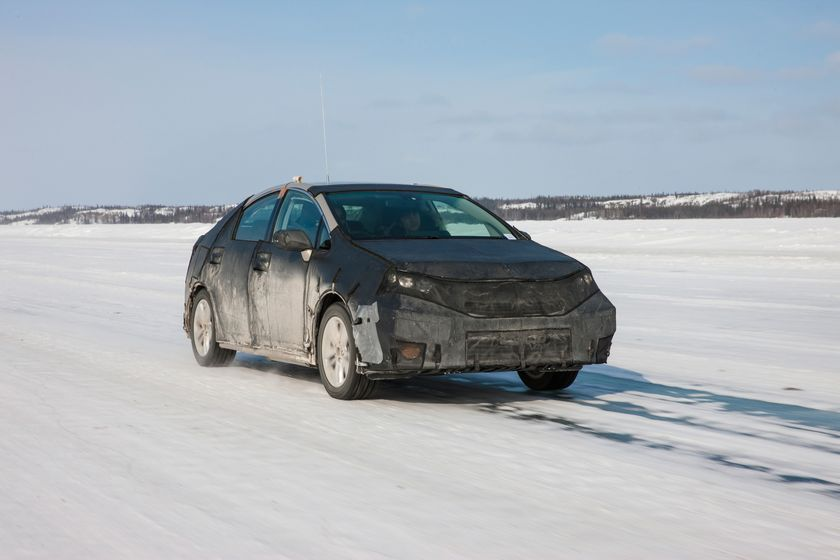 Toyota Fuel Cell Concept_Cold Weather Testing_003