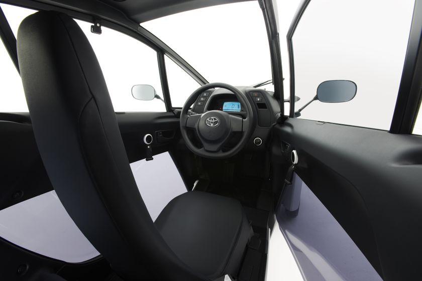Toyota i-Road Concept_007
