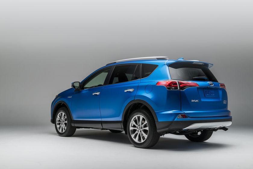 2015_NYIAS_2016_Toyota_RAV4_Hybrid_006