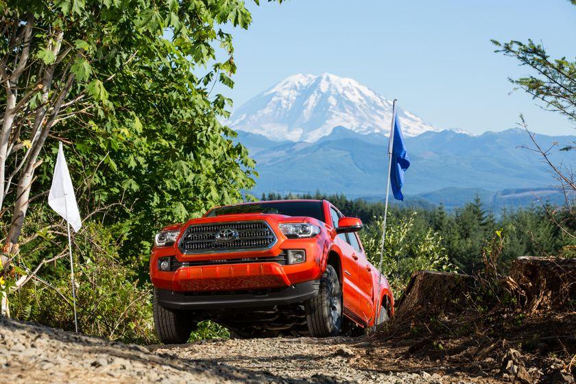 Toyota Tacoma TRD Off-Road 22