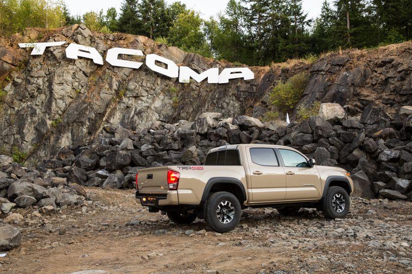 Toyota Tacoma TRD Off-Road 31
