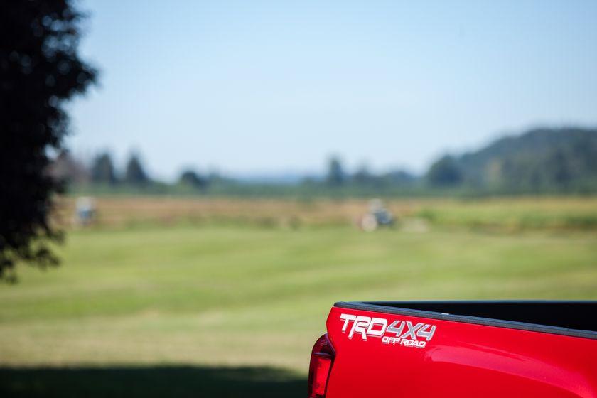 Toyota Tacoma TRD Off-Road 32