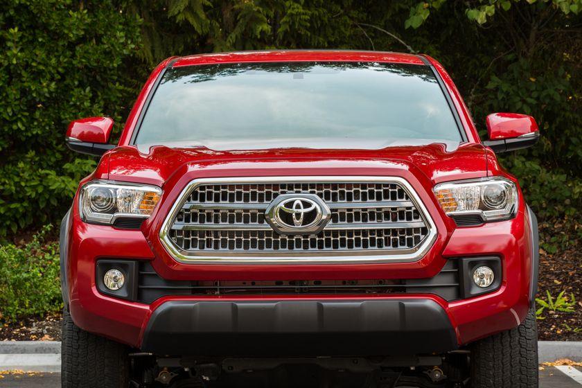 Toyota Tacoma TRD Off-Road 34