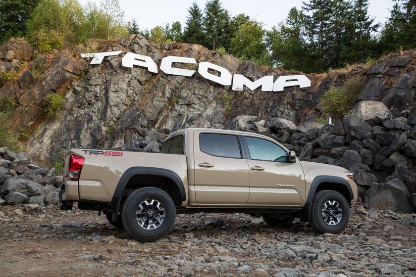 Toyota Tacoma TRD Sport 11