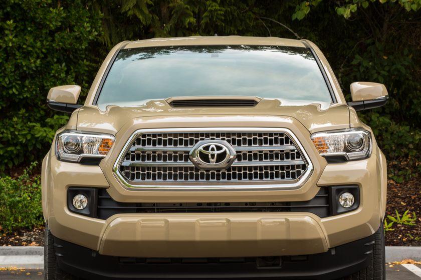 Toyota Tacoma TRD Sport 12