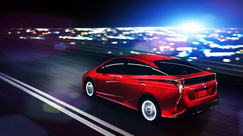 2016_Toyota_Prius_002