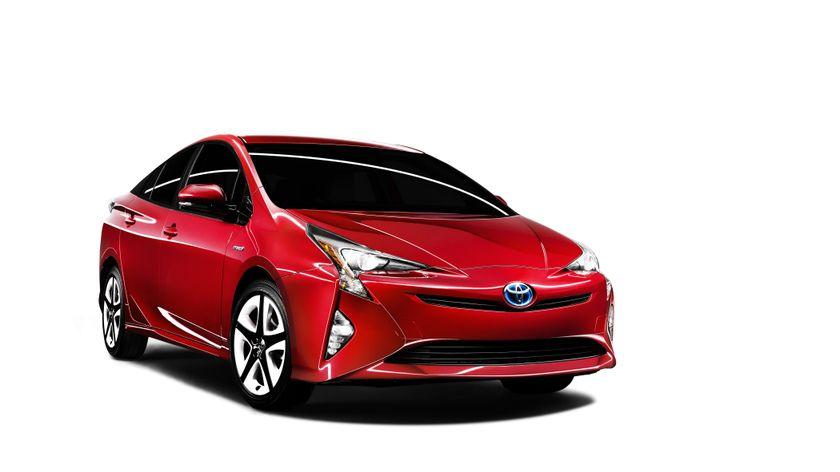2016_Toyota_Prius_004