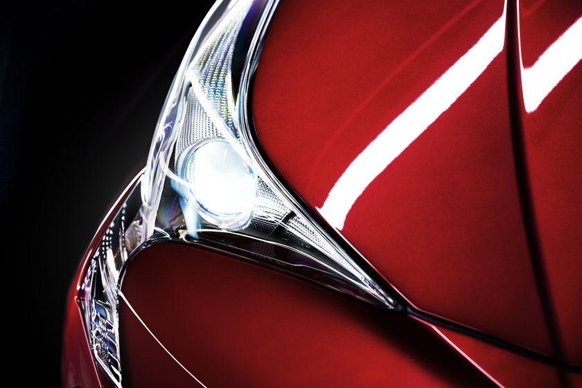 2016_Toyota_Prius_017