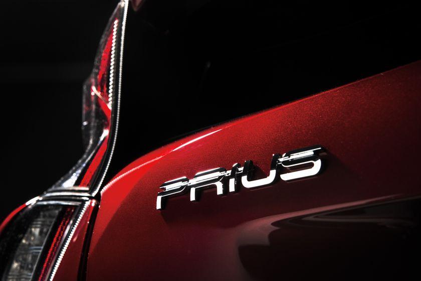 2016_Toyota_Prius_026