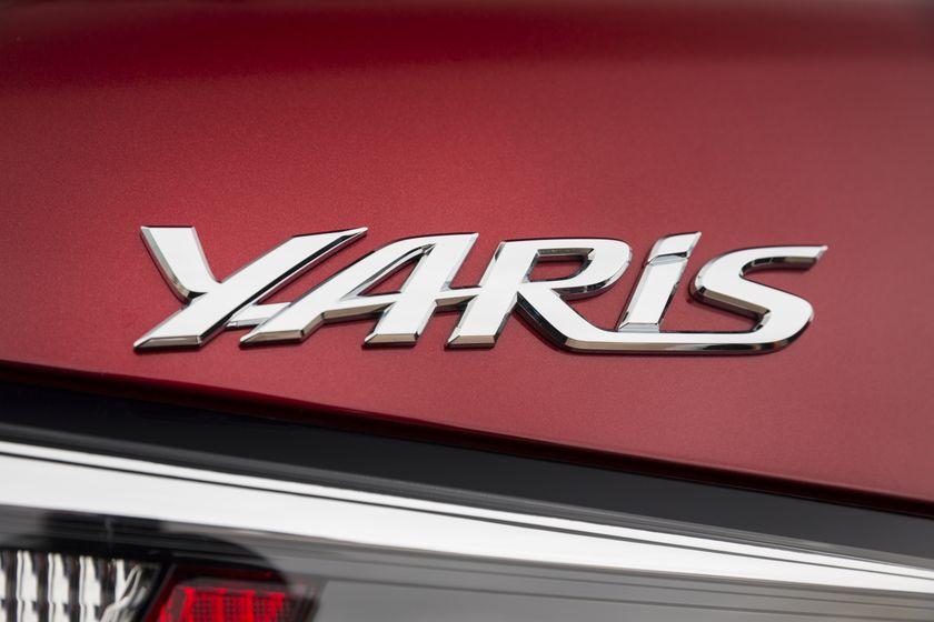 2016_Toyota_Yaris_Quebec-37