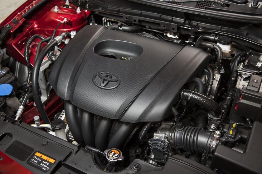 2016_Toyota_Yaris_Quebec-39