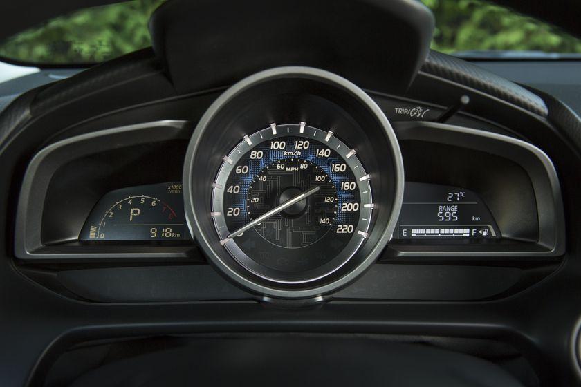 2016_Toyota_Yaris_Quebec-52
