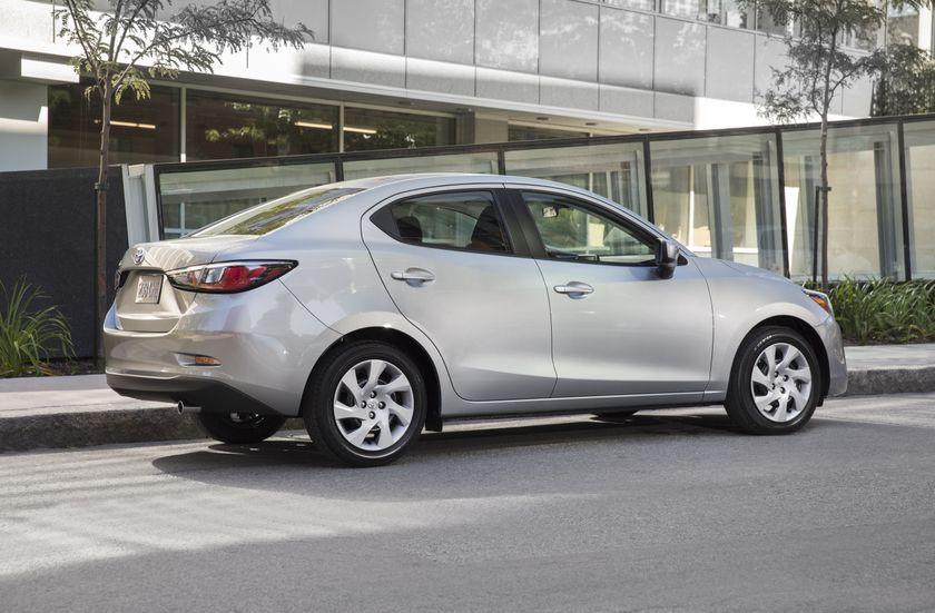 2016_Toyota_Yaris_Quebec-62