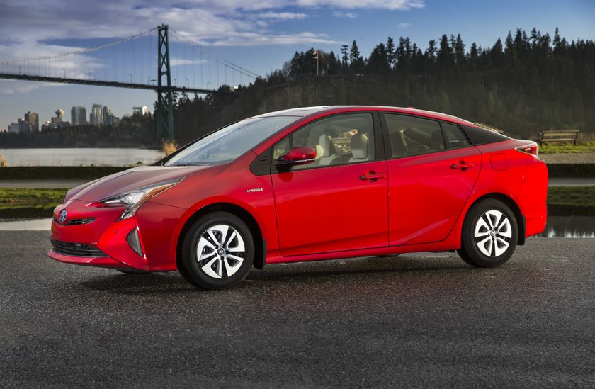 2016-2017 Toyota Prius Technology 1