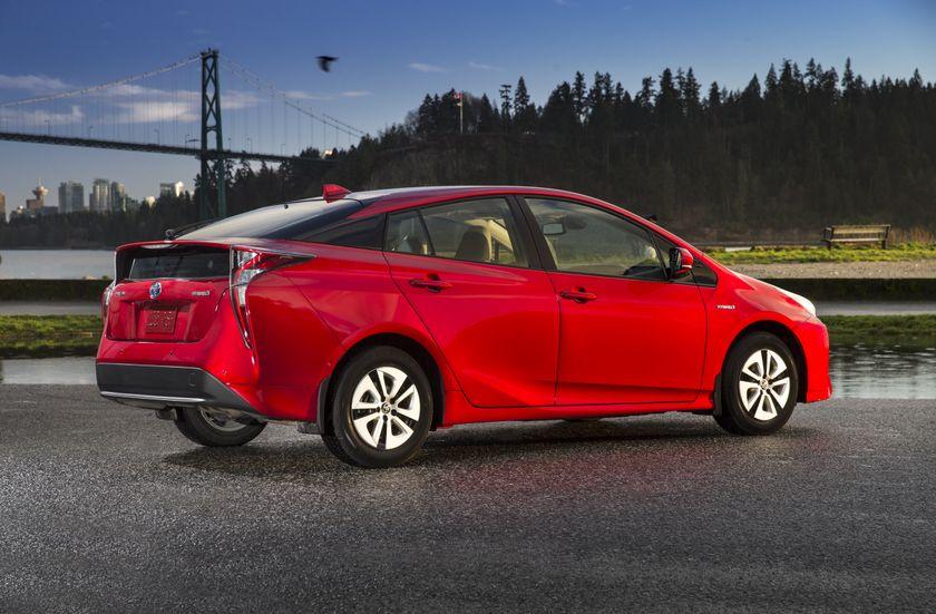 2016-2017 Toyota Prius Technology 2