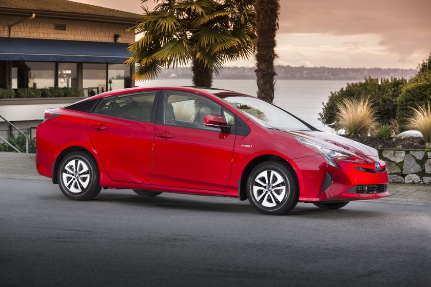 2016-2017 Toyota Prius Technology 3