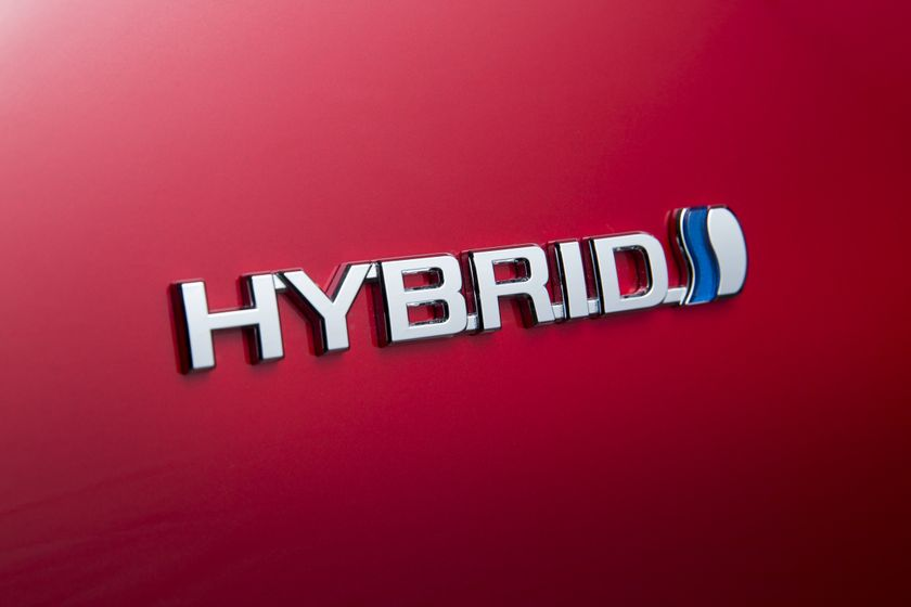 2016-2017 Toyota Prius Technology 8