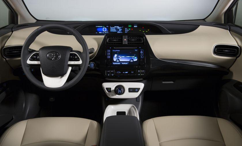 2016-2017 Toyota Prius Technology 13