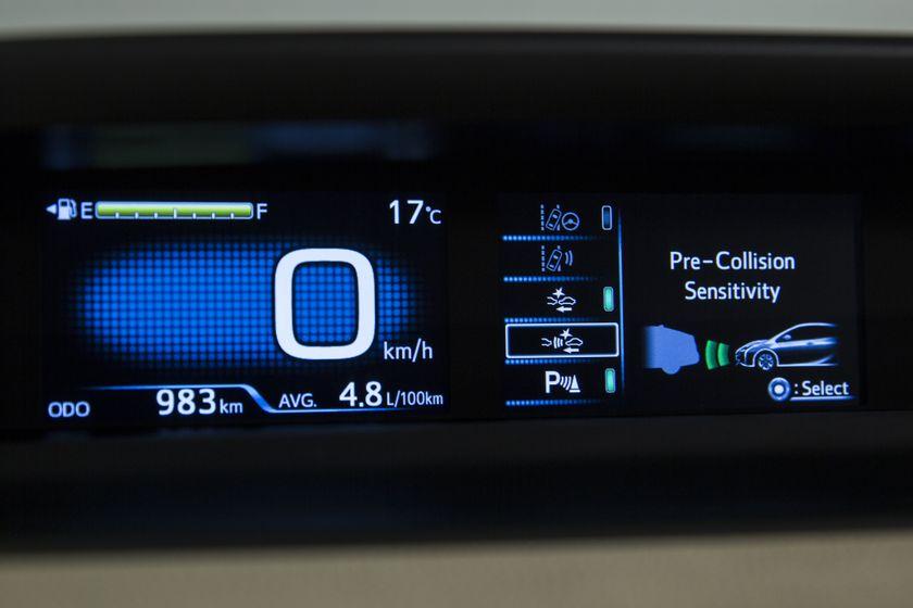 2016-2017 Toyota Prius Technology 14