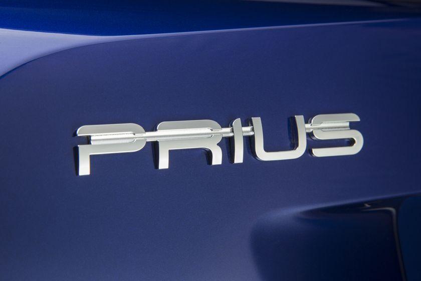 2016-2017 Toyota Prius Touring 12