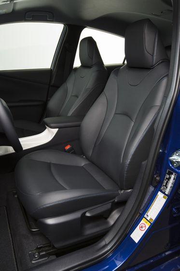 2016-2017 Toyota Prius Touring 17