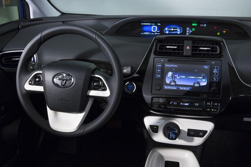 2016-2017 Toyota Prius Touring 18