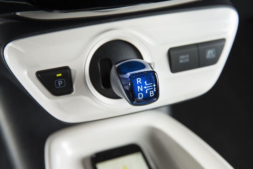 2016-2017 Toyota Prius Touring 22