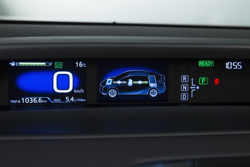 2016-2017 Toyota Prius Touring 30