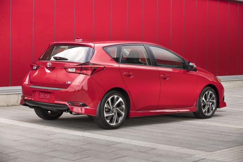 2017_Toyota_Corolla_iM-6