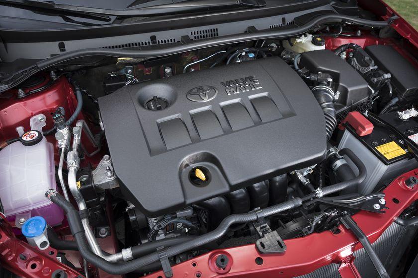 2017_Toyota_Corolla_iM-21
