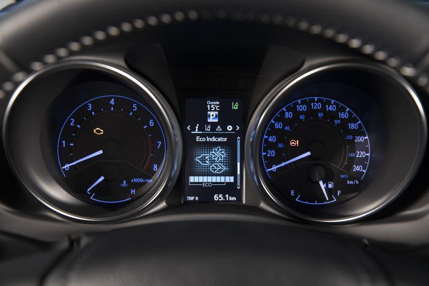 2017_Toyota_Corolla_iM-29
