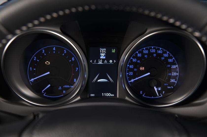 2017_Toyota_Corolla_iM-30
