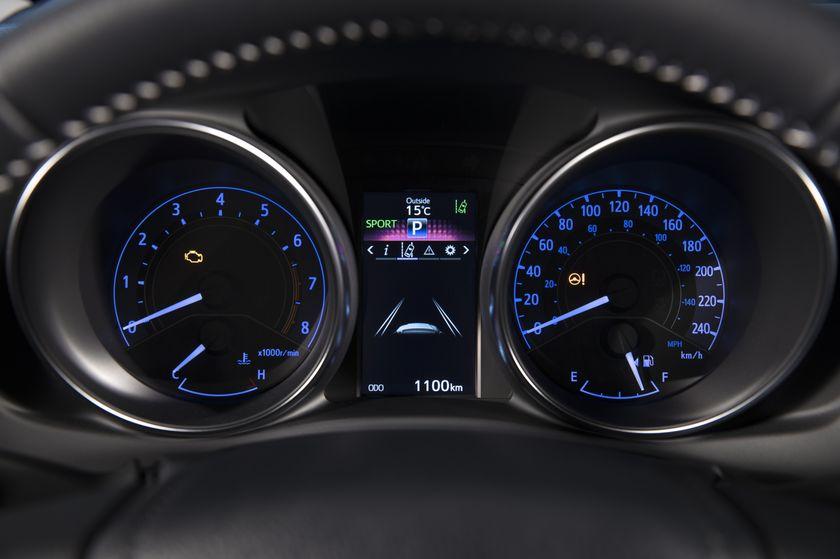 2017_Toyota_Corolla_iM-31