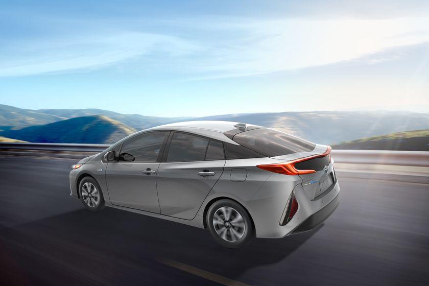 2017_Toyota_Prius_Prime_04_F64C6364D93ADA47A176EEC31F97996D849E6212 2