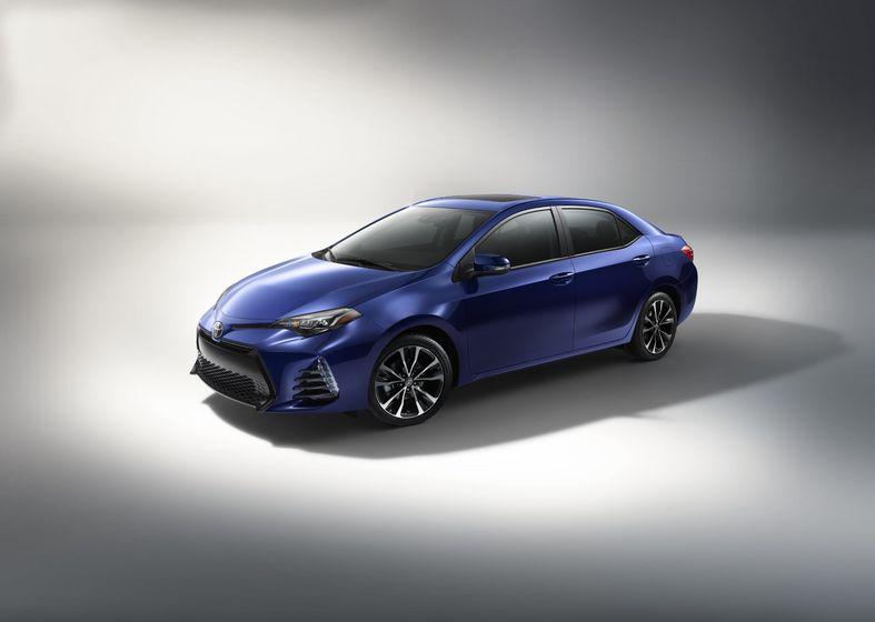 2017_Toyota_Corolla_XSE_1